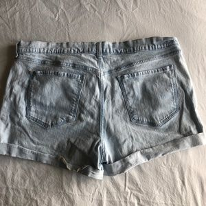 Old Navy Shorts - Adorable lightly dyed cuffed shorts!!